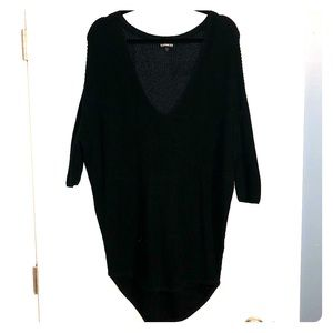 Black tunic with high-low length and 3/4 sleeves